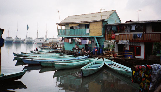Canalside slums of Jakarta, Indonesia 1997